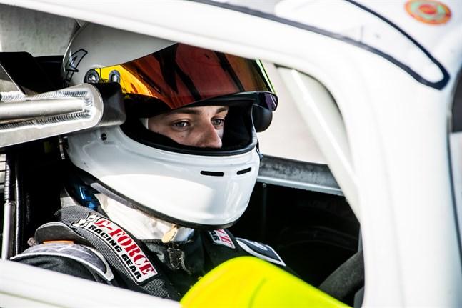 Philip Miemois på ett träningspass vid Botniaring i Jurva förra året.