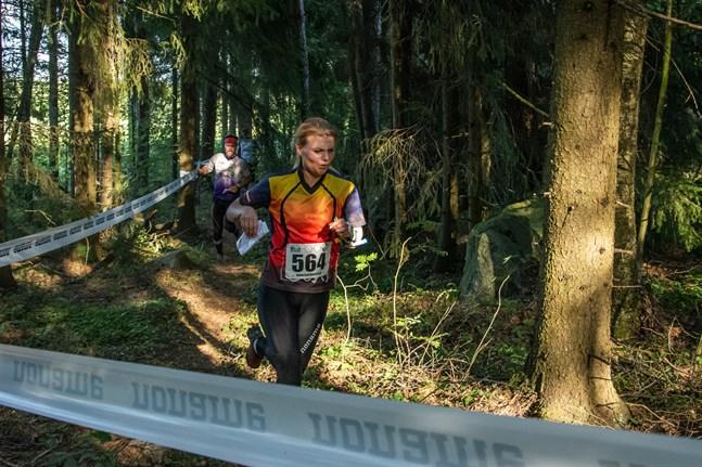 Vieda Lusa från Lettland tycker om den finländska terrängen och säger att hon njutit varje sekund av Kvarkenträffen hittills.