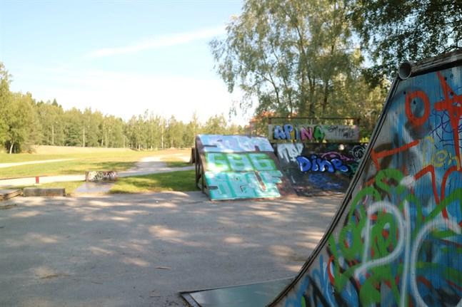 Skateboardramperna i Jakobstad är i uselt skick.