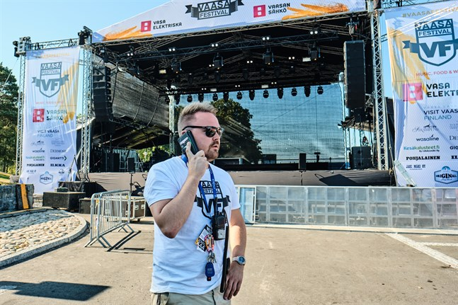 Tommi Mäki fortsätter planera Vasa Festival med tanken att den ska bli av. Evenemanget ordnas först i augusti.