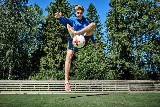 Daniel Kjellman från Vasa blivit femma i VM flera gånger och kommer vara domare under årets VM.