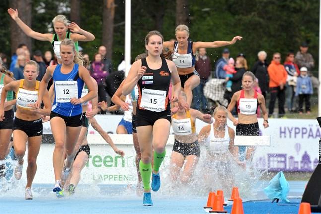 Bilden är från FM i Villmanstrand förra året då Sofie Lövdal blev trea i hinderloppet.