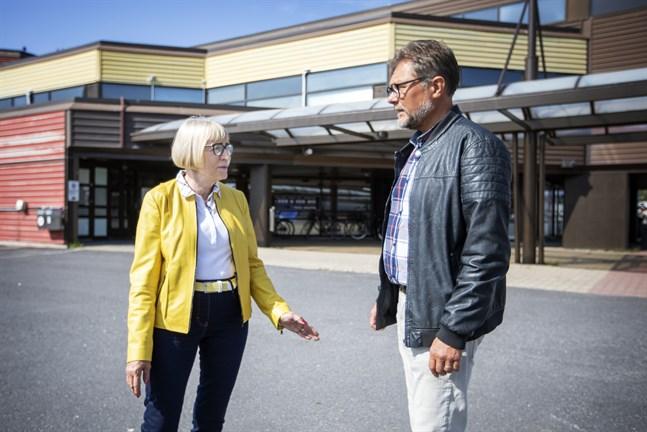 Anita Ismark och Patrick Ragnäs från Pensionärsförbundet.