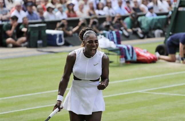 Serena Williams är 63:a på listan över de idrottare i världen som tjänar mest om också de manliga idrottarnas löner inkluderas. Arkivbild.