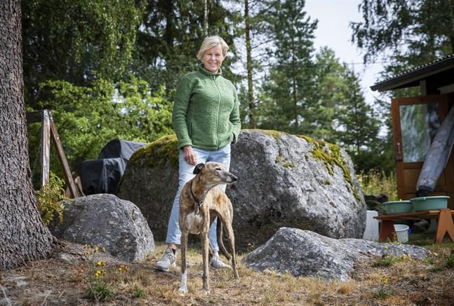 – Jussi Halla-Ahos märkligt kalla framtoning tycks gå hem bland finländarna, säger Ann-Cathrine Jungar. I tre år har hon forskat i hur de högerpopulistiska partierna blir bemötta av de etablerade partierna.