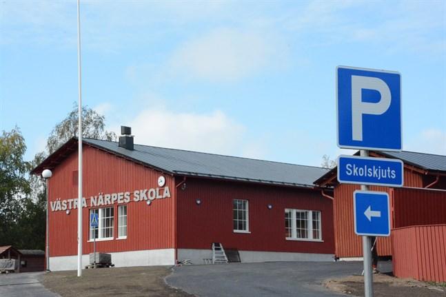 Byggandet av Västra Närpes skola i Norrnäs blev en halv miljon euro dyrare än beräknat.