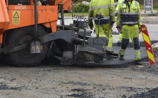 Vägar ska asfalteras för nästan 400 000 euro i Karleby i år.