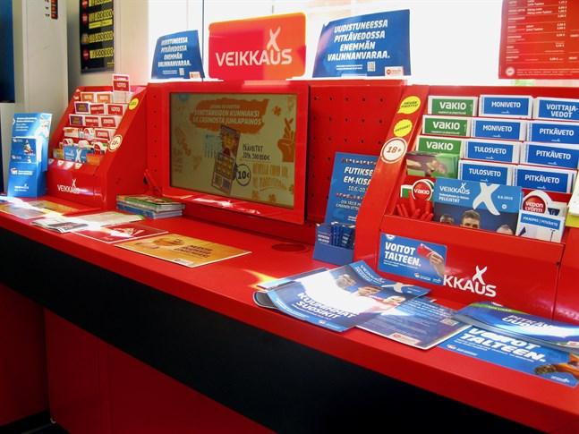 Spelbolaget Veikkaus verksamhet har väckt diskussion på grund av problem med spelberoende.