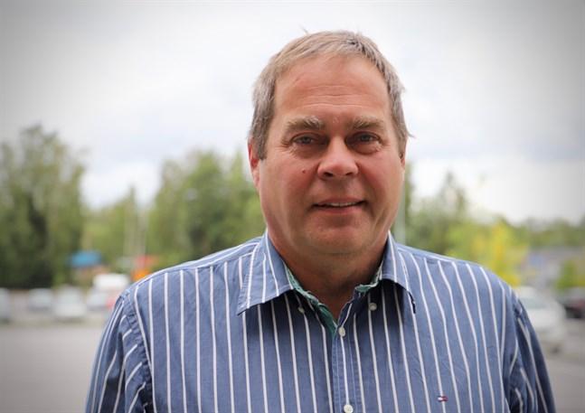 Ingmar Sjöblad är nöjd med att man kan gå vidare med vindkraftsplanerna i Juthskogen. Man kommer att se över lönsamhetsberäkningarna för att se vad det innebär att tre kraftverk ströks.