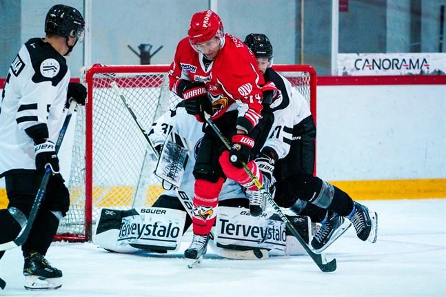 Sport var steget före TPS i Bennäs på onsdagskvällen.    Photo: Samppa Toivonen