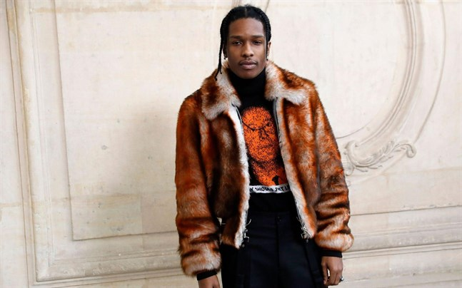 Klockan 15 finsk tid meddelar Stockholms tingsrätt sin dom mot hiphopstjärnan Asap Rocky.