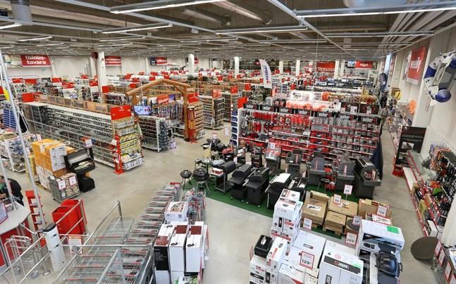 Motonet fokuserar på 12 produktgrupper, bland annat utrustning och reservdelar till bilar.