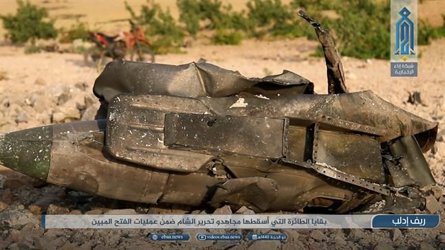 Den här bilden kommer från al-Qaidas propagandagren, och påstås visa delar av det nedskjutna stridsflygplanet.