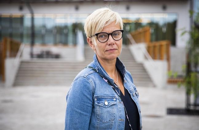 Inger Damlin är ordförande för Finlands svenska lärarförbund och tidigare rektor för Korsholms högstadium.