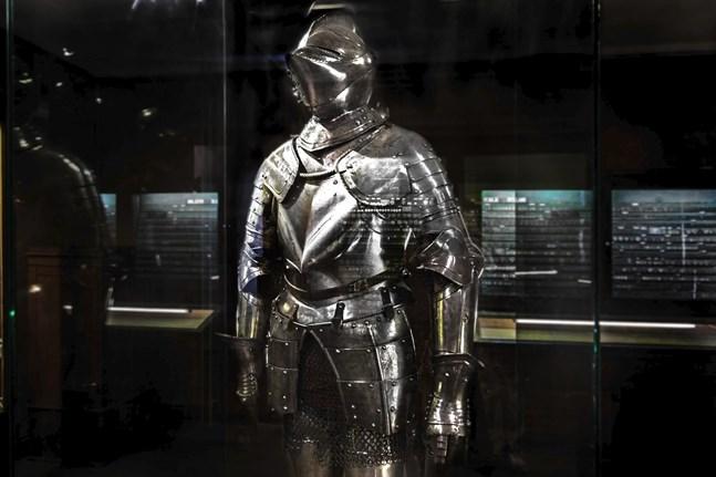 Den rustning som finns i Österbottens museums ägo.
