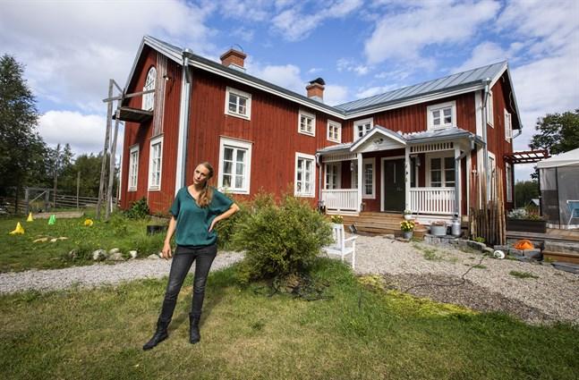 Här i huset bor Gabriella Norrgård med sin man André och barnen Elna Norrgård, 13, Edvin, 11 och Lisa som är 5.