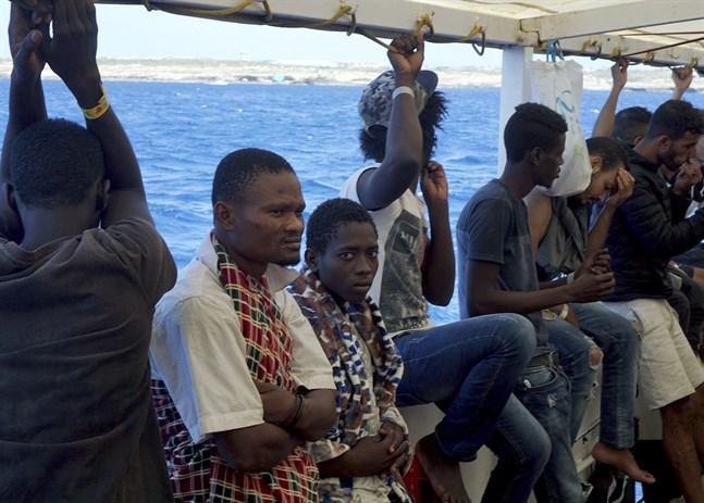 Migranter ombord på Open Arms.