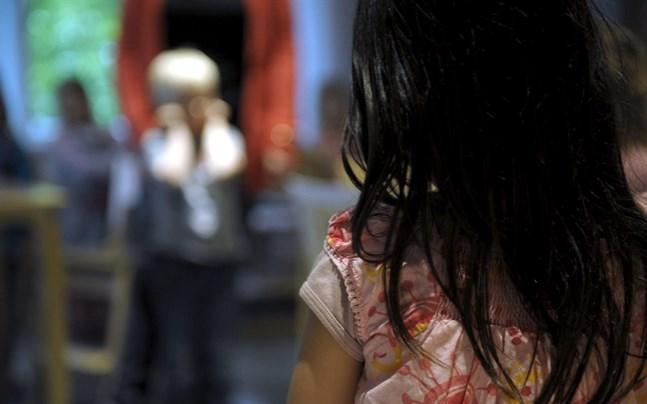 Barn som drabbas av fysiska sjukdomar löper ökad risk att också drabbas av psykiska problem.