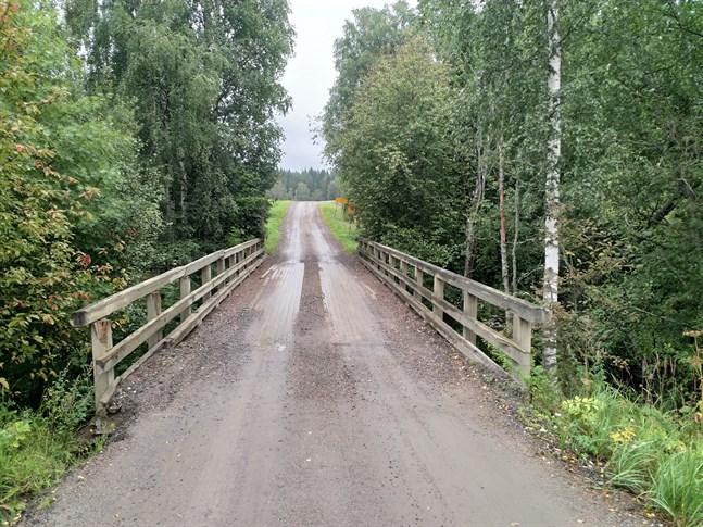En ny bro ska byggas över bifåran Bötom å i Dagsmark i närheten av Mellanå plantskola.