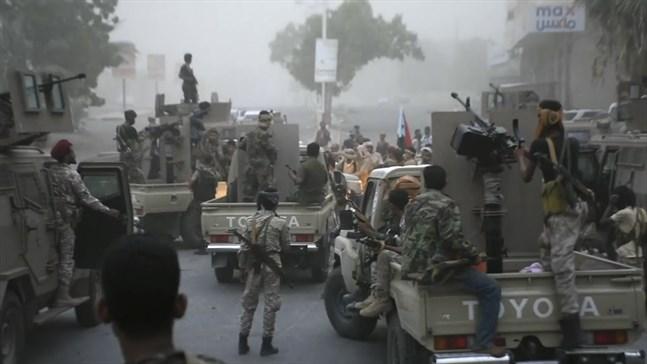 Sydjemenitiska separatiststyrkor i hamnstaden Aden. Arkivbild.