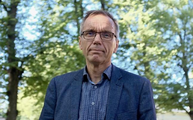 Biskop Björn Vikström anser att det är hög tid att komma fram till en lösning i äktenskapsfrågan.
