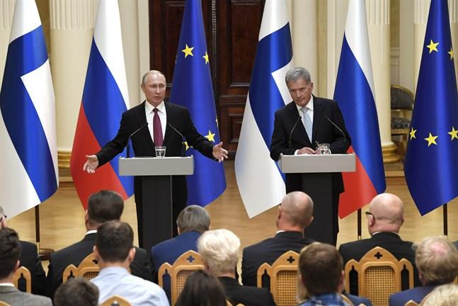 Rysslands president Vladimir Putin och president Sauli Niinistö diskuterade bland annat miljön och sophanteringsprojekt i Helsingfors på onsdagen.