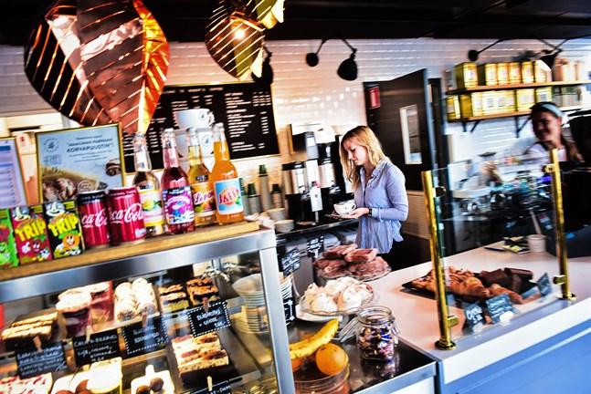 Minna Boström driver Roberts Coffee.