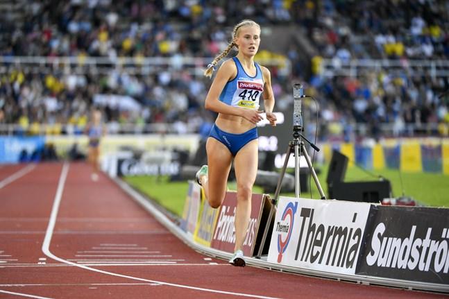 Nathalie Blomqvist börjar så småningom runda av en succésäsong. Två FM-helger återstår.