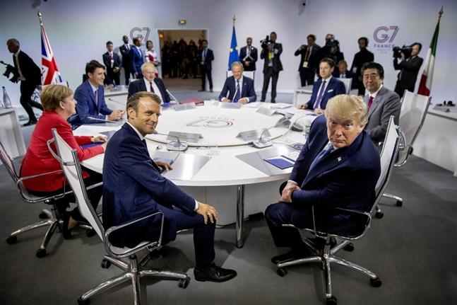 Den franska presidenten Emmanuel Macron (till vänster) och den amerikanska presidenten Donald Trump (till höger) är två av de ledare som deltar vid G7-mötet i franska Biarritz.