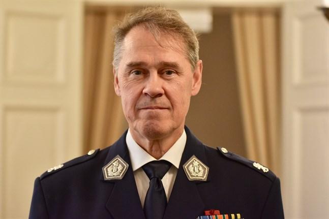 Polisöverdirektör Seppo Kolehmainen säger att det är ovanligt att poliser i Finland beskjuts i arbetet.