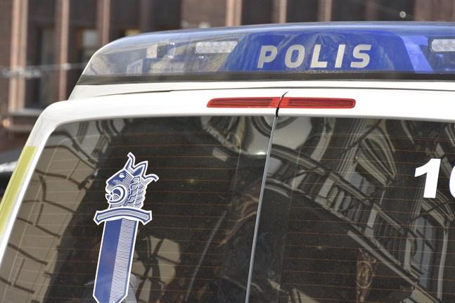 Enligt uppgifter till Helsingsin Sanomat är skyttarna i Borgå bröder.