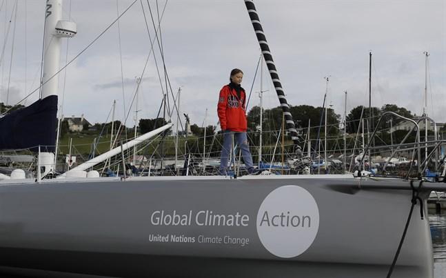 Greta Thunberg på båten Malizia II inför avfärden från Plymouth i Storbritannien tidigare i augusti.