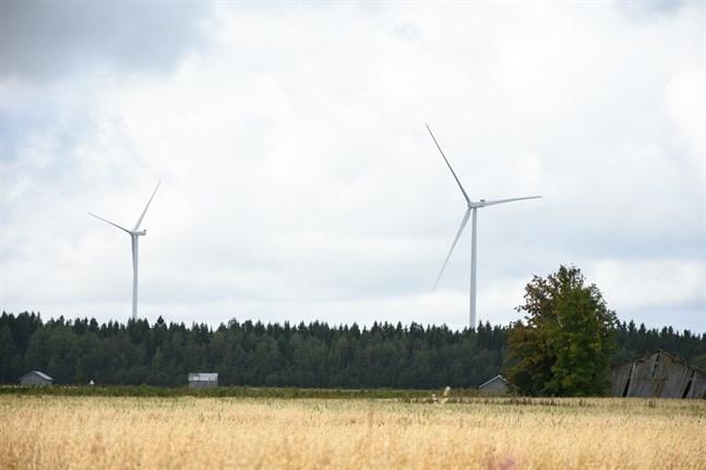 Snart kan 19 vindkraftverk snurra i Pörtom. Bild från Övermark.