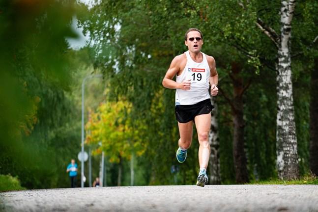 Andreas Norrgård var snabbast på den längsta distansen i årets Larsmo Öja Ultra Trail.