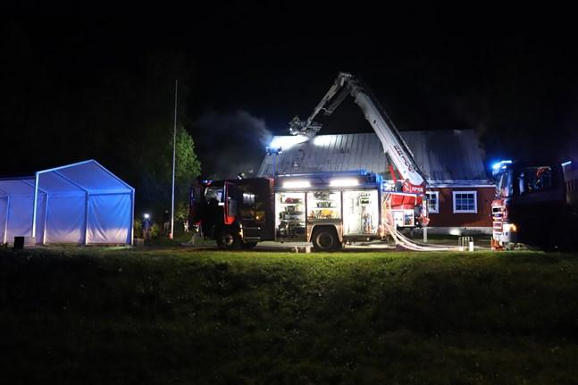 Uf-lokalen i Bertby började brinna sent på kvällen den 2 september.