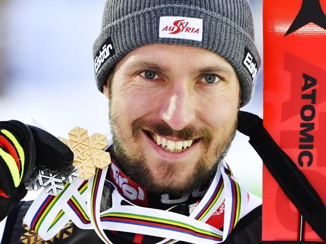 Marcel Hirscher med sin guldmedalj efter att ha vunnit herrarnas slalom under alpina VM i Åre. Arkivbild.