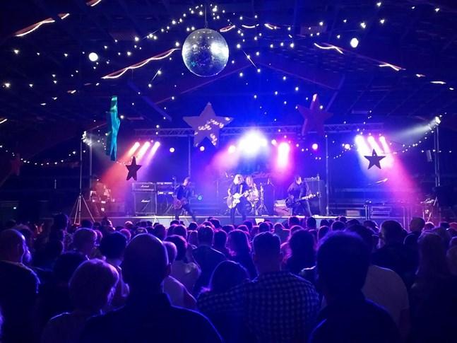 Snowstorm uppträdde på 80-talskvällen i Fagerö i fjol, och gör nu ett nytt besök på lördag kväll (7 september). Då uppträder även Magnum Bonum.