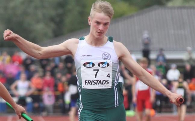 Alexander Björkgrens personbästa på 100 meter skrivs nu 10,98.