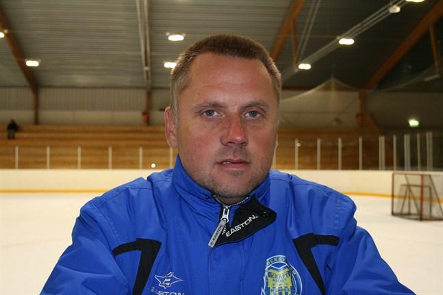 Tränaren Anders Snickars var rätt nöjd efter Krafts första träningsmatch för säsongen.