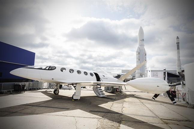 Israeliska Eviation Aircraft visade i somras upp sin prototyp Alice i Paris. Det är ett elektriskt flygplan med plats för nio passagerare och med en räckvidd på 1000 kilometer.