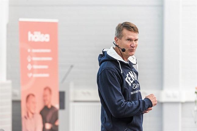 Erkka Westerlund har en helt annan syn på ledarrollen nu än då han nådde sina största framgångar som ishockeytränare.