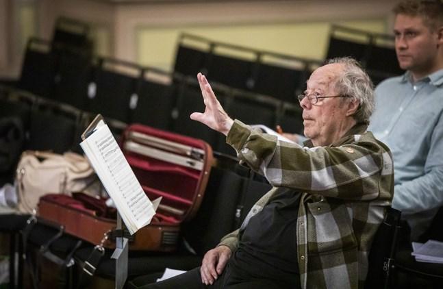 Jorma Panula är konstnärlig ledare och ordförande för dirigenttävlingen som bär hans namn.