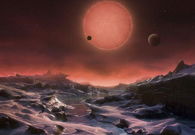 Främmande världar. Hur det ser ut på de tusentals exoplaneter som upptäckts de senaste åren är det ingen som vet. Nu har forskarna upptäckt att en av dem, K2-18 b, har atmosfär bestående av vattenånga, vilket av många anses vara en förutsättning för att liv ska kunna existera.