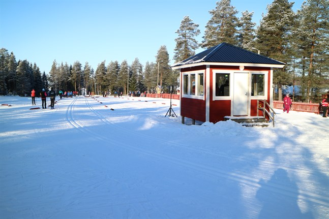 FSSM på skidor avgörs på Tössbacken i Kronoby den 21-23 februari 2020.