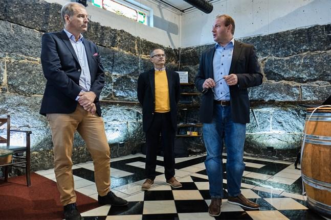 Christian Beckman från Odyssey Hotel Grouo, Mikael Snellman från YIT och Max Jansson från Visit Vasa.