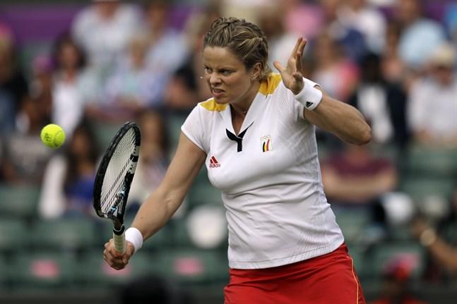Kim Clijsters gör comeback på tennisbanan.