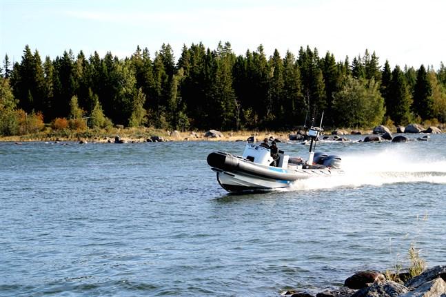 Vallgrunds sjöbevakningsstation skickade ut en räddningsbåt till Malax skärgård.