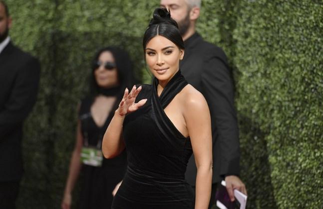 Kim Kardashian-West har talat ut om att hon lider av den kroniska autoimmuna sjukdomen systemisk lupus erythematosus (SLE).