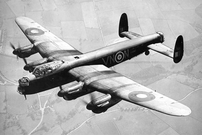 Så här såg ett Lancasterplan ut när det begav sig. Bilden är från 1942.