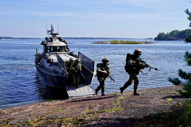Kustjägare vid Nylands brigad ska bli utvärderade enligt Natos NEL2-evaluering.